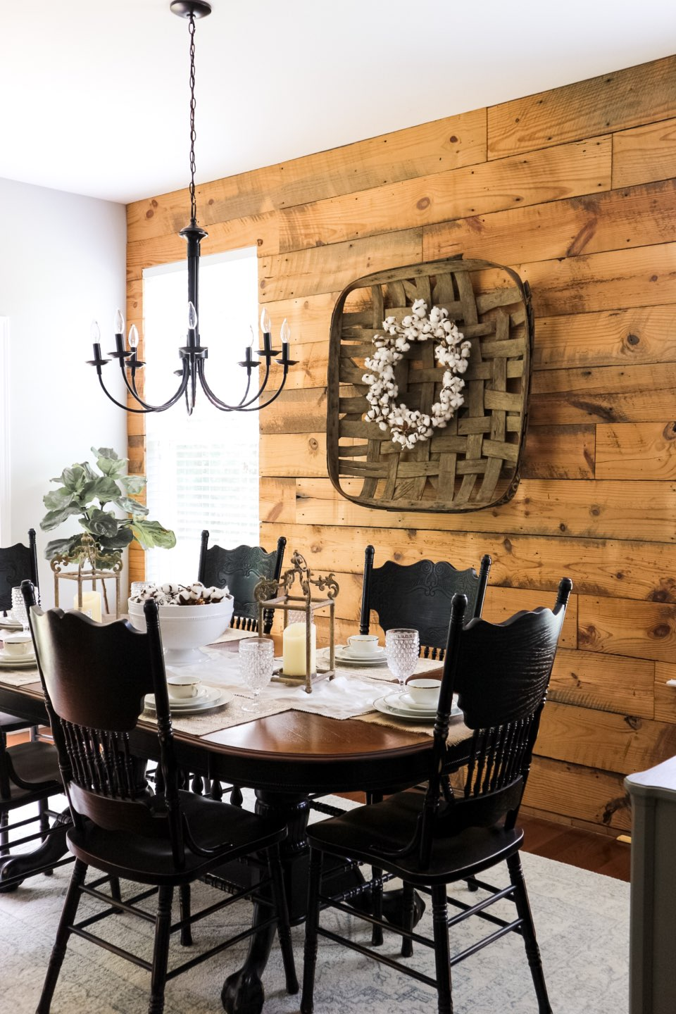 How to Install a Reclaimed Wood Wall - I'm Fixin' To - @mbg0112