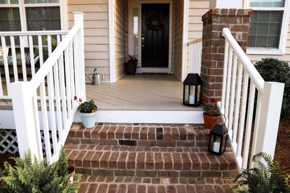 Front Porch Ideas for Spring featured by top US life and style blog I'm Fixin' To