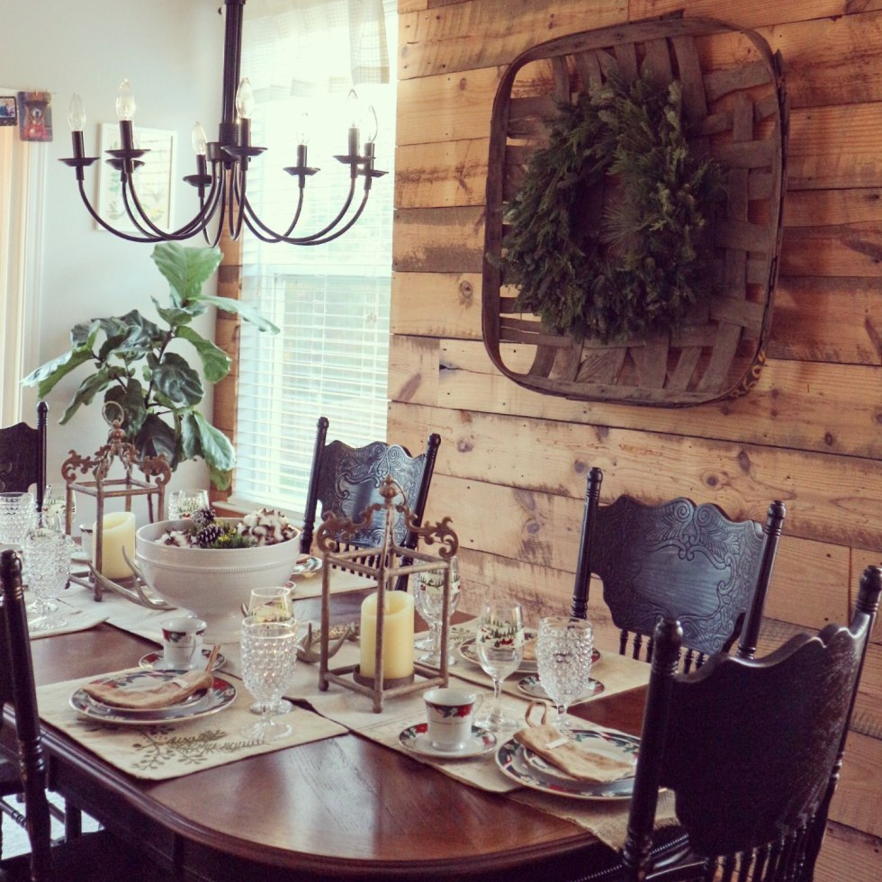Top 10 most popular posts of 2018 featured by top North Carolina life and style blog, I'm Fixin' To: image of a ranch dining room