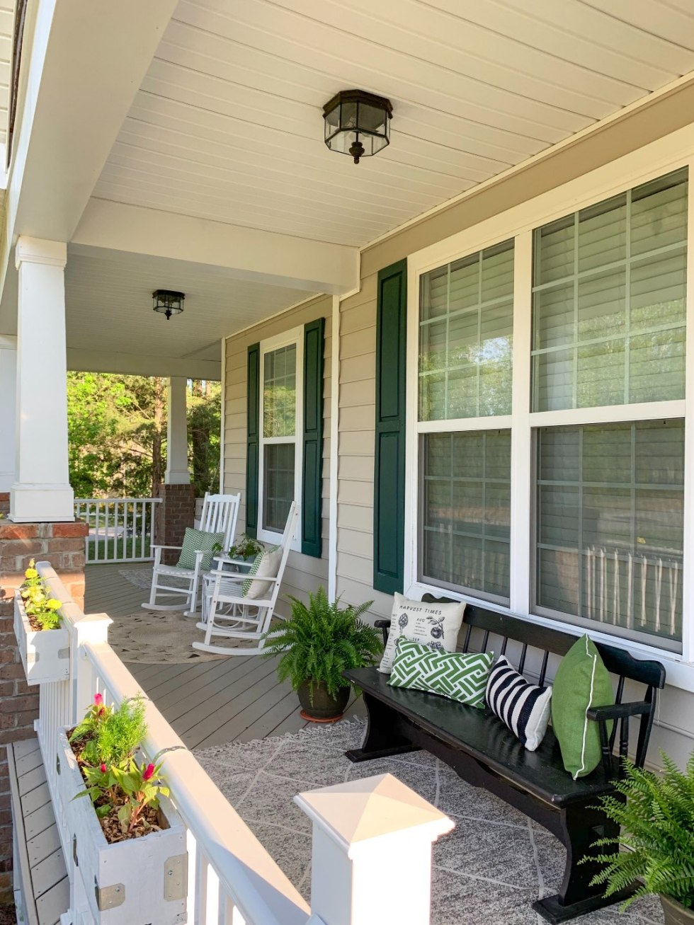 How to Update Your Front Porch Decor for the Season - I'm Fixin' To - @mbg0112  | Front Porch Decor for Spring featured by top US lifestyle blog, I'm Fixin' To: image of front porch furniture