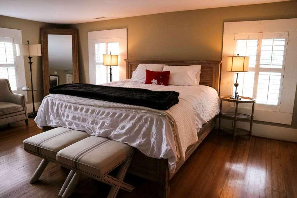 Top 10 Unique North Carolina Hotels - I'm Fixin' Top 10 Unique North Carolina Hotels featured by top North Carolina travel blog, I'm Fixin' To: the New Public House & Hotel