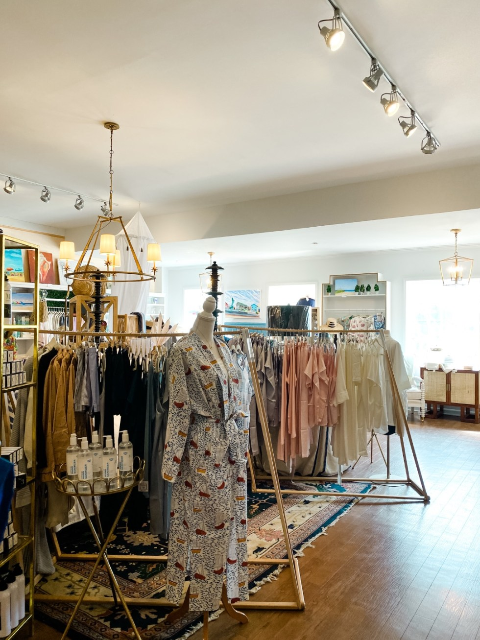 Things to Do in Beaufort NC by popular NC travel blog, I'm Fixin' To: image of a clothing store.