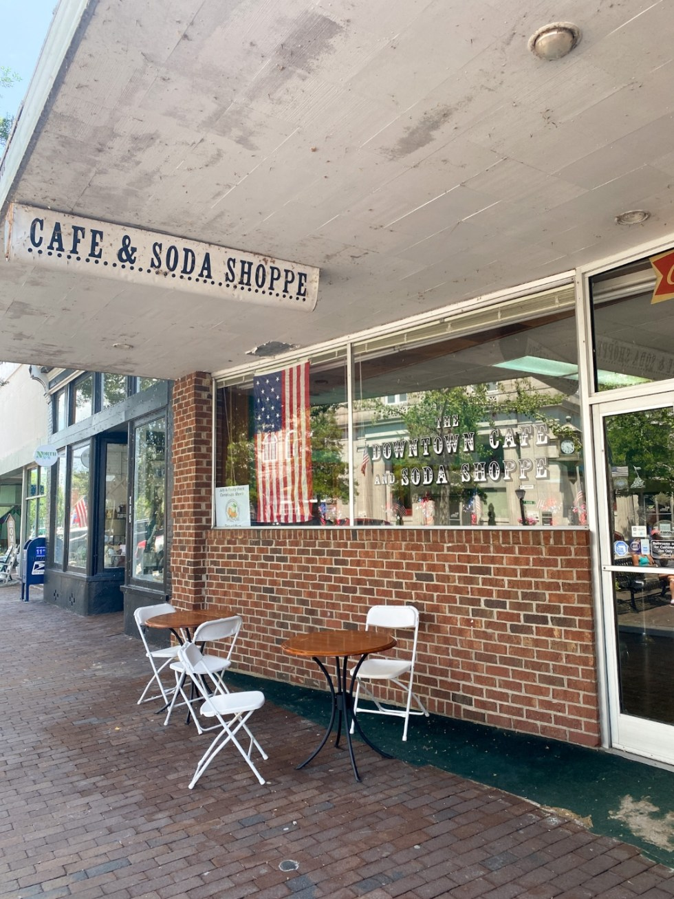 Top 10 Best Things to Do in Edenton, NC: A Complete Travel Guide - I'm Fixin' To - @imfixintoblog | Edenton Travel Guide by popular NC travel guid, I'm Fixin' To: image of The Downtown Cafe and Soda Shoppe.