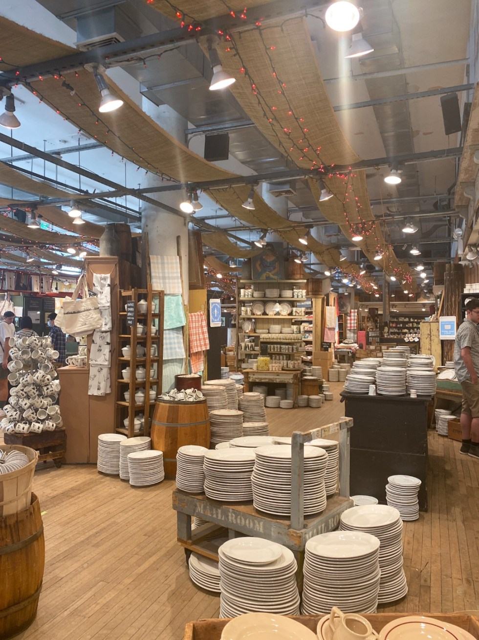 NYC Summer Weekend: Things to Do in NYC in the Summer - I'm Fixin' To - @imfixintoblog   NYC Summer Weekend by popular NC travel blog, I'm Fixin' To: image of ceramic dishes.