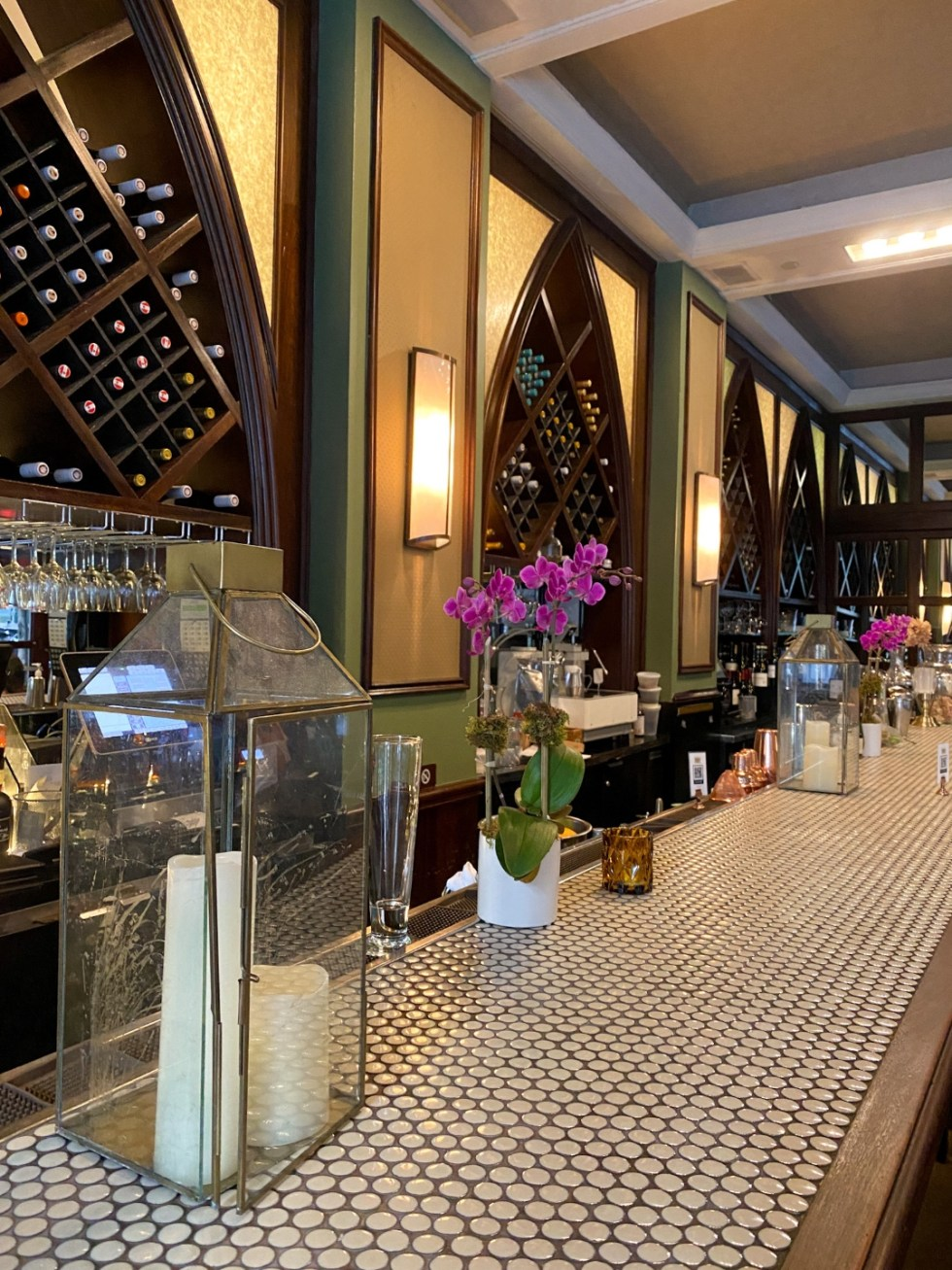 NYC Summer Weekend: Things to Do in NYC in the Summer - I'm Fixin' To - @imfixintoblog   NYC Summer Weekend by popular NC travel blog, I'm Fixin' To: image of the Madison and Vine restaurant.