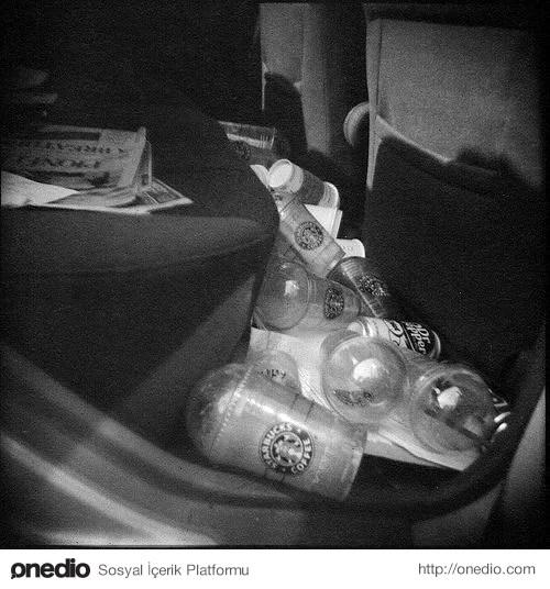 Arabanızda / evinizde boş ve leş kahve bardakları / kutuları var.