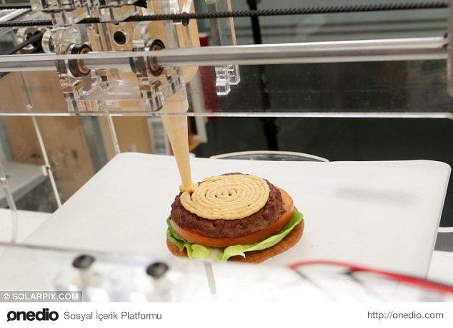 Hizmet veren restoranların %90'ı yemeklerini 3 boyutlu yazıcıları kullanarak yapacak.