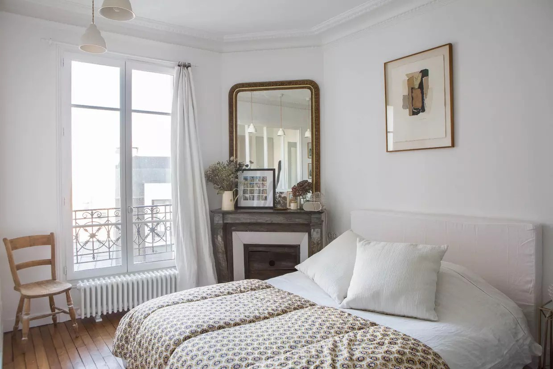 chambre blanche et bois