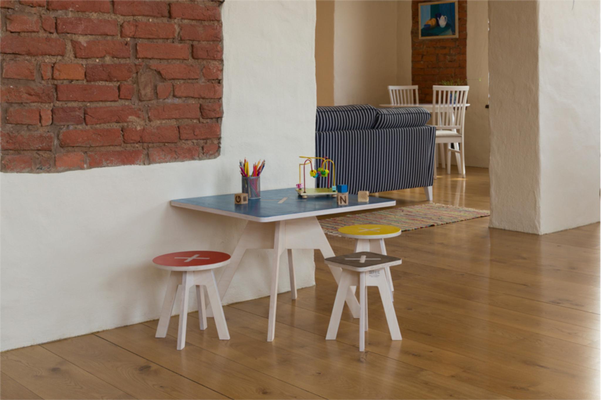 Kinder Tisch Und Sthle Das Bild Wird Geladen With Kinder