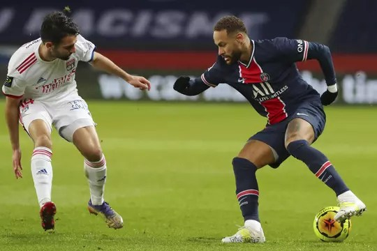 PSG - Lyon: Paris s'incline et perd Neymar, le résumé du match