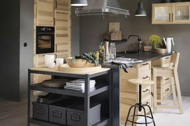 une cuisine moderne en bois