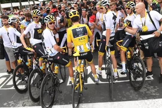 Peters gagne dans les Pyrénées, Pinot sombre — Tour de France