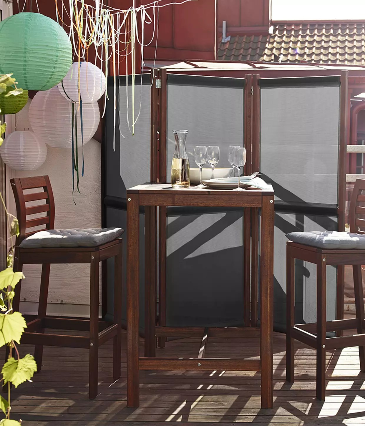 mettre un paravent sur un balcon