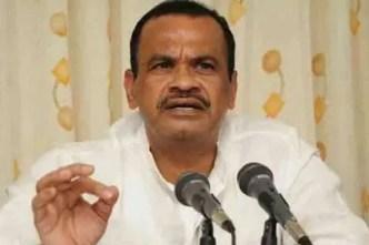 Komatireddy demands for Girijana Bandhu
