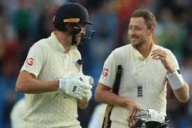 England all out for 432 runs against India
