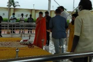 Kangana Pays Homage To Talaivi Puratchi Jaya Lalitha
