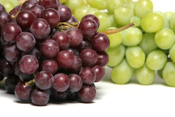 Red grapes contain more antioxidants than white grapes