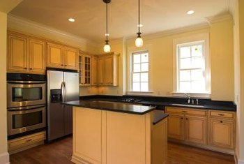 What Color of Paint Looks Good With Natural Maple Cabinets ... on Best Granite Color For Maple Cabinets  id=78382