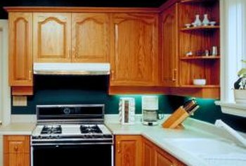 What Floors & Countertops Go With Maple Cabinets? | Home ... on What Color Countertops Go With Maple Cabinets  id=41431