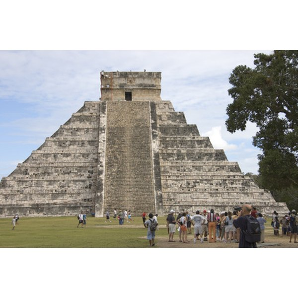Facts About the Mayan Pyramids   Synonym