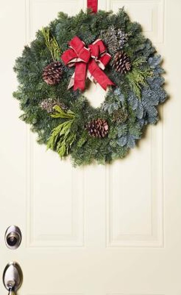 How To Make Cheap Outside Christmas Decorations