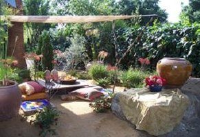Moroccan Garden Ideas | eHow on Moroccan Backyard Design  id=90438