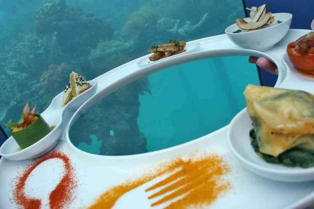 25 World's Best Restaurant Views 15