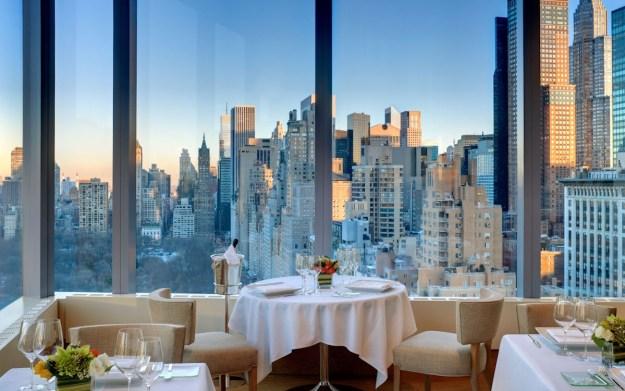 25 World's Best Restaurant Views 32