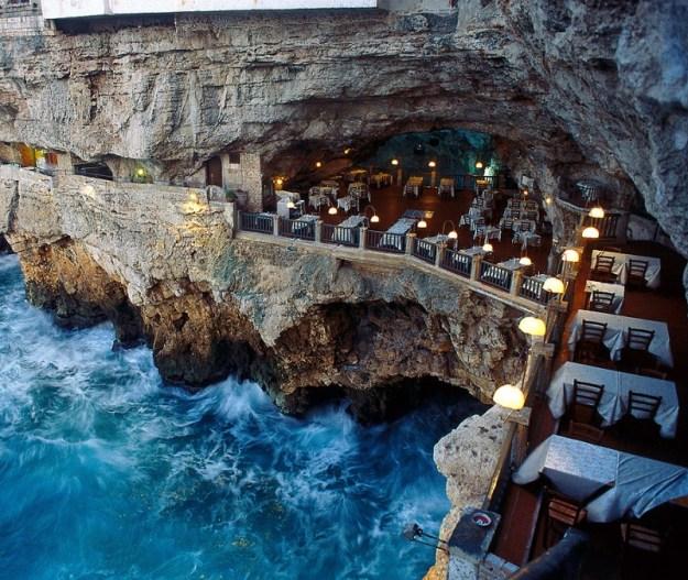 25 World's Best Restaurant Views 46