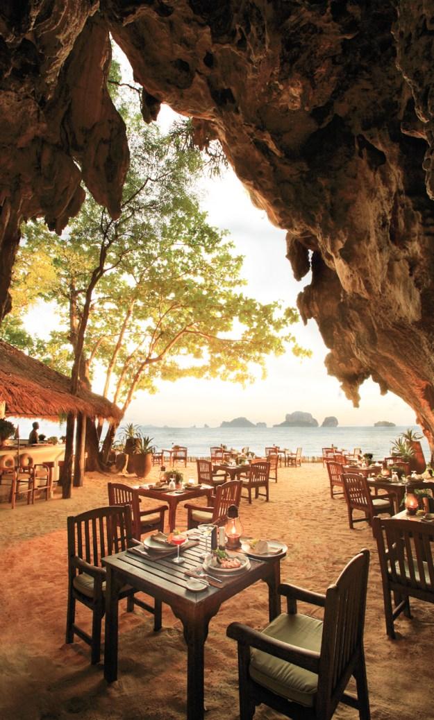 25 World's Best Restaurant Views 63