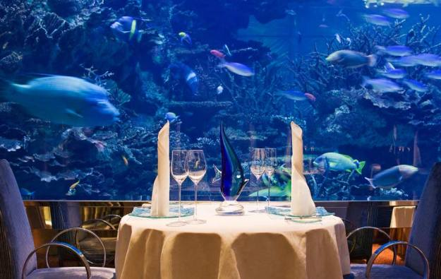 25 World's Best Restaurant Views 74