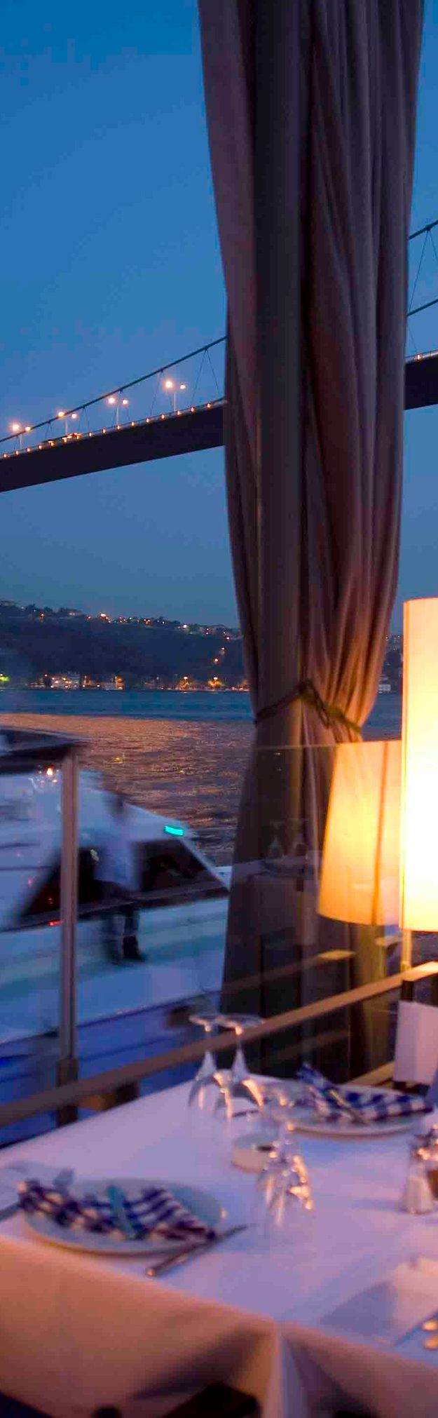 25 World's Best Restaurant Views 92