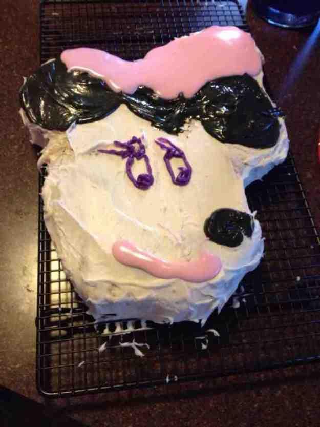 worst_disney_cake_fails_12
