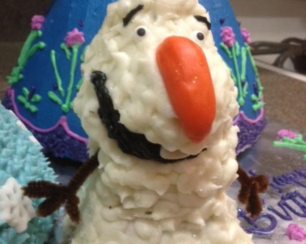 worst_disney_cake_fails_15