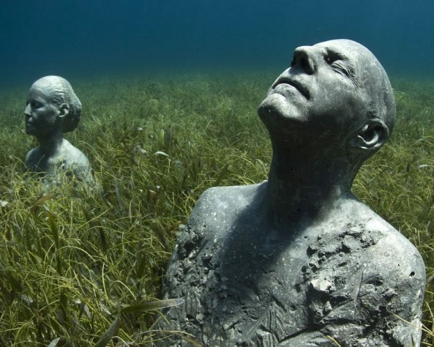 astonishing_underwater_museum_in_cancun_mexico_12