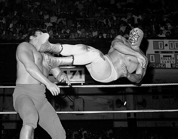 5-most-daredevil-mexican -pro-wrestlers-07