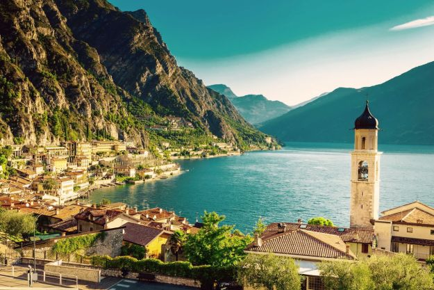 14-most-gorgeous-lakes-on-the-planet-007