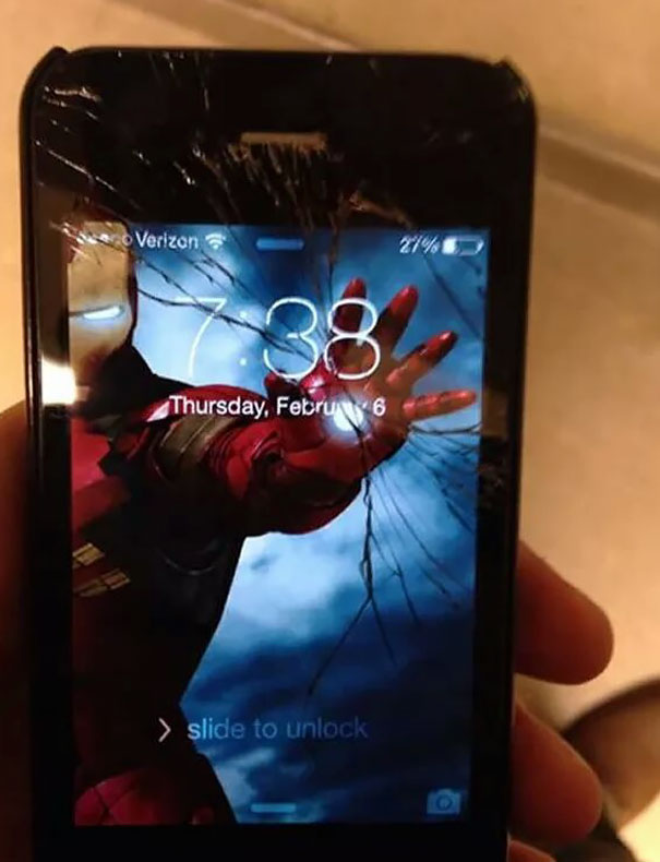 creative-wallpapers-to-cover-up-your-cracked-phone-screen-06