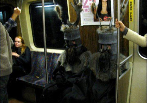 exceptionally-bizarre-subway-people-12