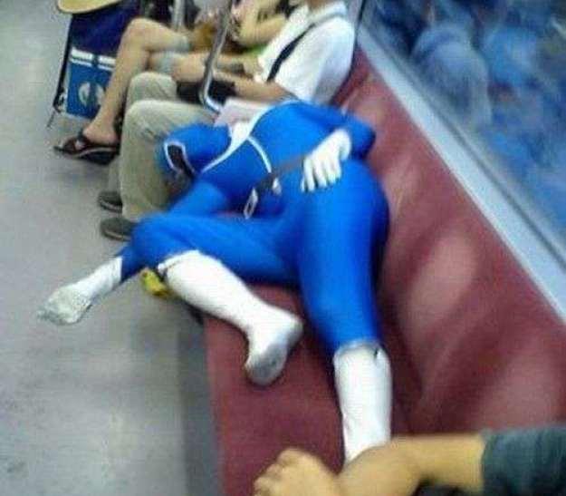 exceptionally-bizarre-subway-people-21
