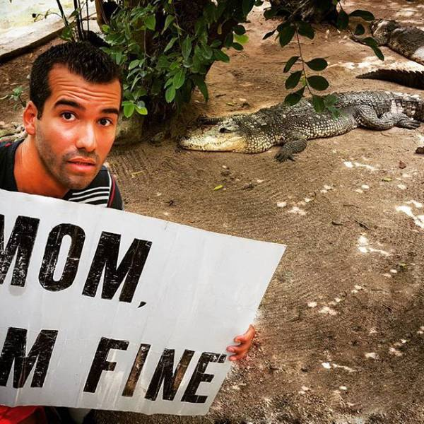 guy-quits-his-job-to-become-an-internet-sensation-and-tell-his-mom-hes-fine-11
