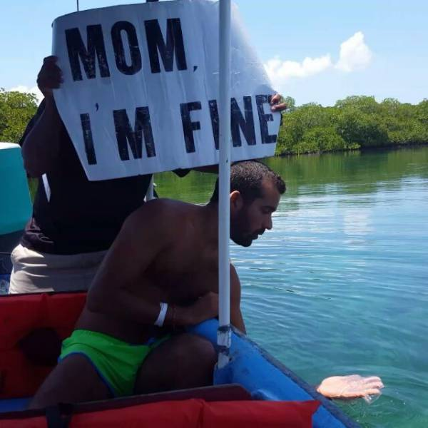 guy-quits-his-job-to-become-an-internet-sensation-and-tell-his-mom-hes-fine-17