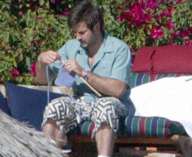 celebrities-with-weird-hobbies-that -make-you-feel-better-about-yourself-04