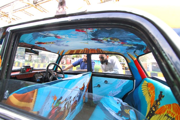 extraordinary-mumbai-taxis-that -will-blow-your-mind-20