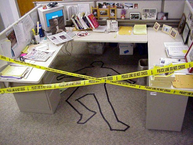 hilarious-office-pranks-11