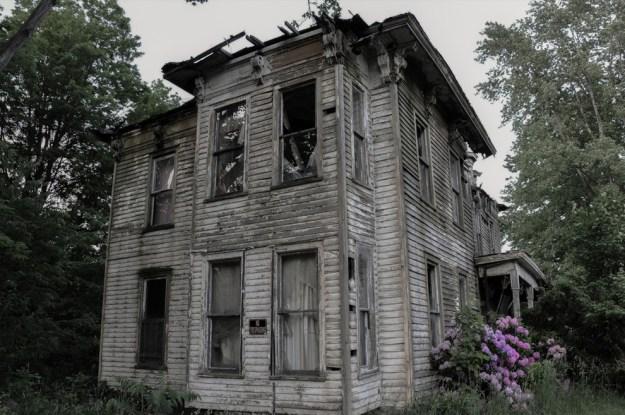 10-nastoyachih-domov-s-privideniyami-09