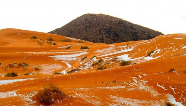 snow-falling-in-the-sahara-desert-is -oddly-satisfying-05