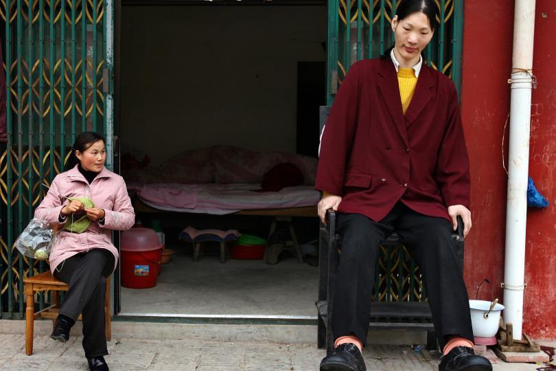 tallest-women-1-yao-defen
