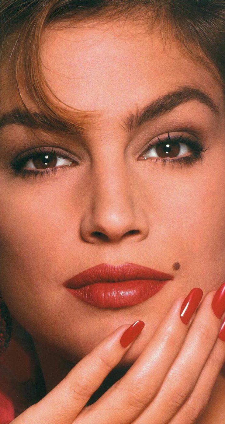celebrities-body-parts-08-cindy-crawford-mole