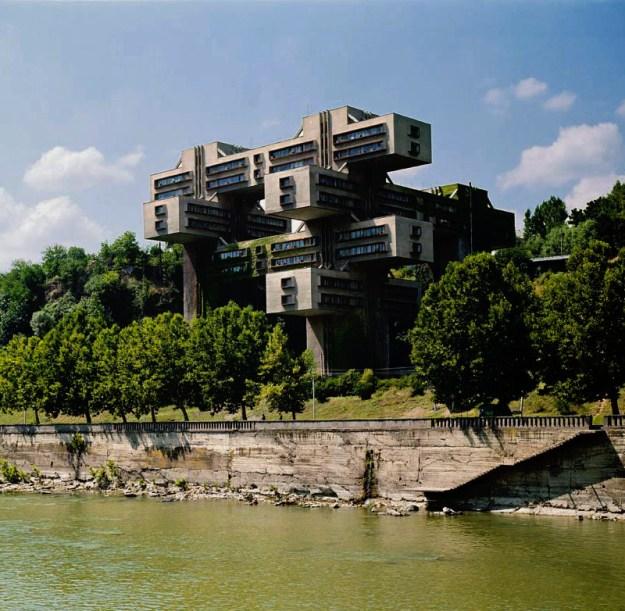 top-15-fantasticheskih-zdaniy-sovetskoy-arhitectury-04
